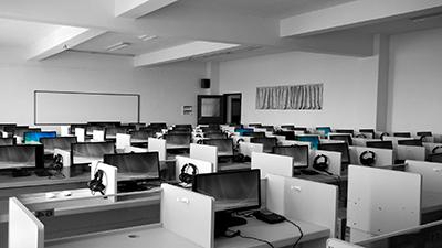 empty-lockeddown-call-centre